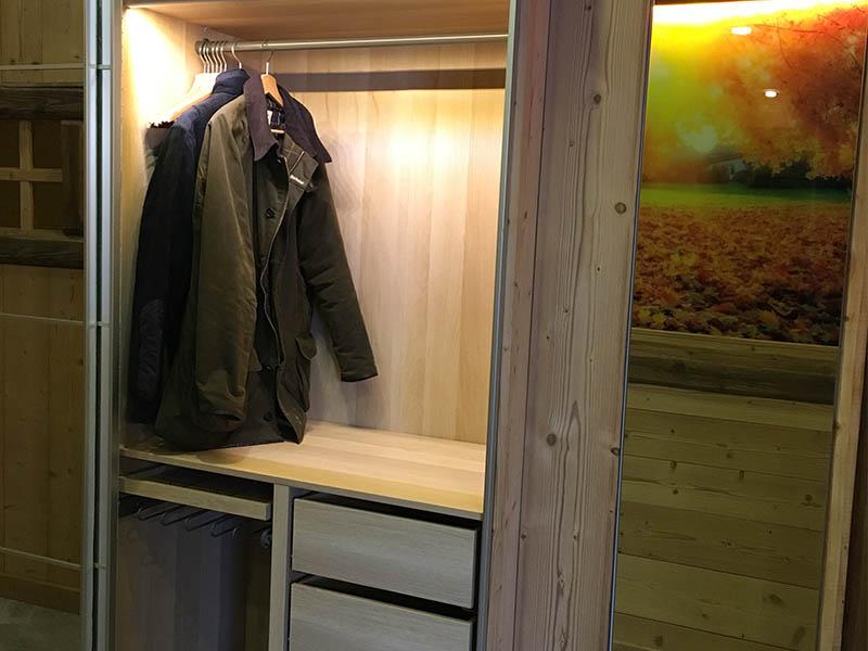 les armoires le grenier des r ves location appartement les 2 alpes location appartement spa. Black Bedroom Furniture Sets. Home Design Ideas